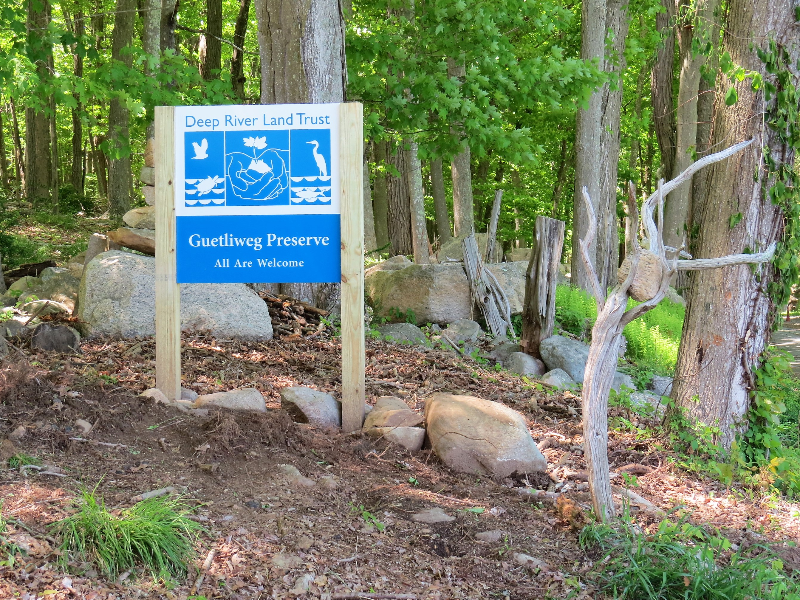 Guetliweg Preserve signage